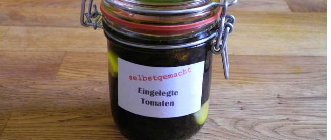 eingelegte Tomaten im Glas