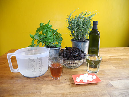 Zutaten für eingelegte Tomaten
