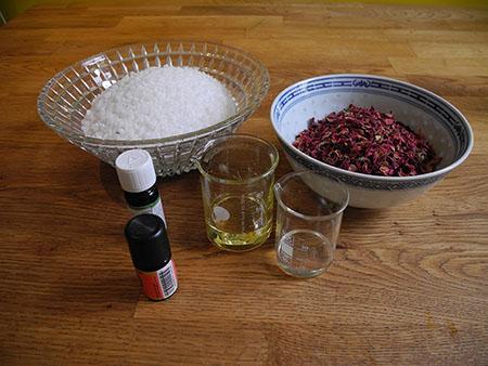 Zutaten für Rosenblüten Badsalz